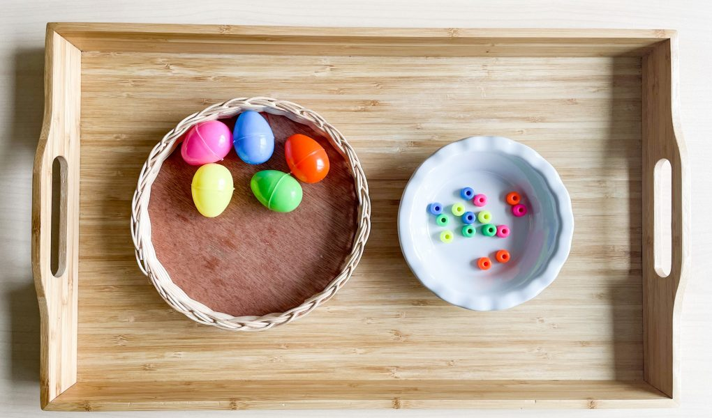 Easter craft: colour matching with DIY egg shakers