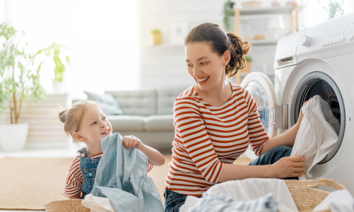 Teach toddlers French while doing laundry together